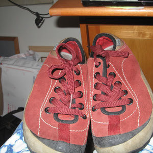 SIMPLE LACEUP RUST CANVAS SNEAKERS SZ 7